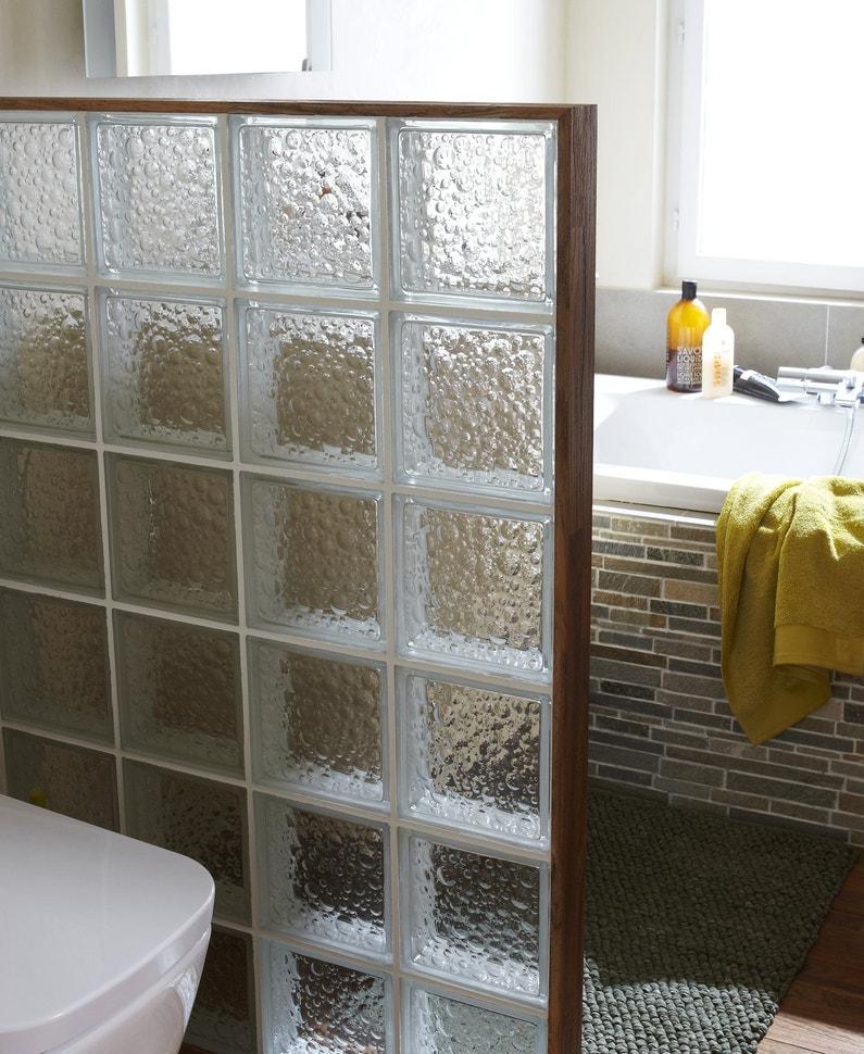 des briques de verre dans votre salle de bains. Black Bedroom Furniture Sets. Home Design Ideas