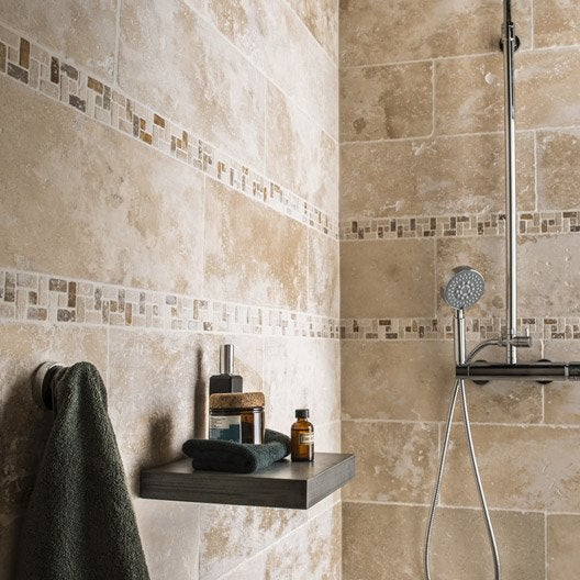 Pierre naturelle sol et mur ivoire travertin x for Salle de bain carrelage 2 couleurs