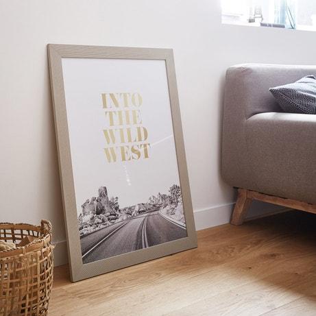 Donnez vie à vos murs avec une affiche personnalisée sous cadre taupe