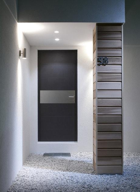 Porte d'entrée sur mesure en aluminium bicolore