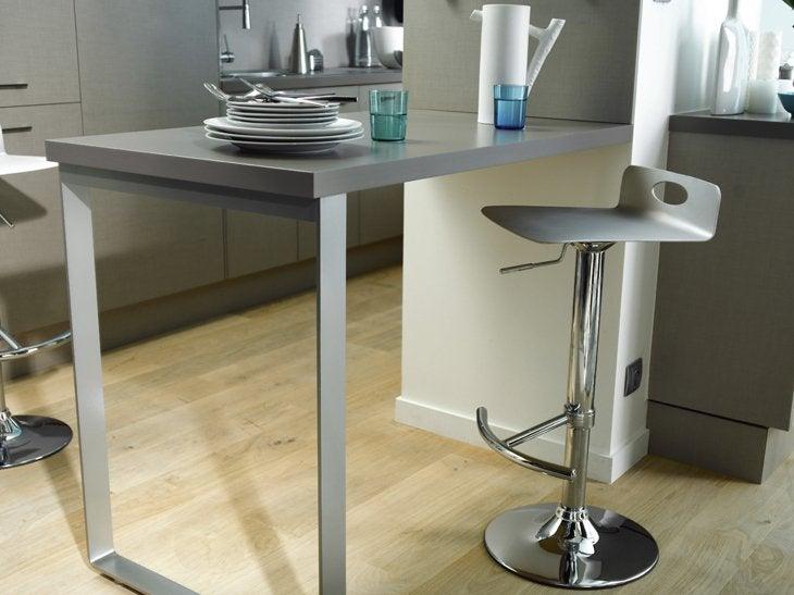 L 39 installation d 39 un coin repas dans la cuisine leroy merlin for Table de cuisine escamotable
