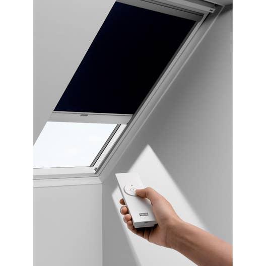 store fen tre de toit occultant t l commande solaire bleu velux dsl sk06 1100s leroy merlin. Black Bedroom Furniture Sets. Home Design Ideas