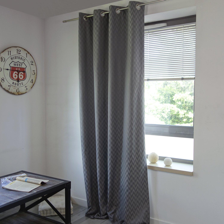 des rideaux occultants aux motifs chevrons gris pour votre fen tre leroy merlin. Black Bedroom Furniture Sets. Home Design Ideas