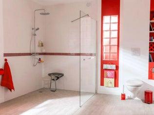 Tout savoir sur la salle de bains ouverte sur la chambre - Accessoire salle de bain dore ...