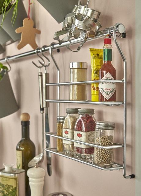 Des accessoires de rangement de cuisine pour la crédence