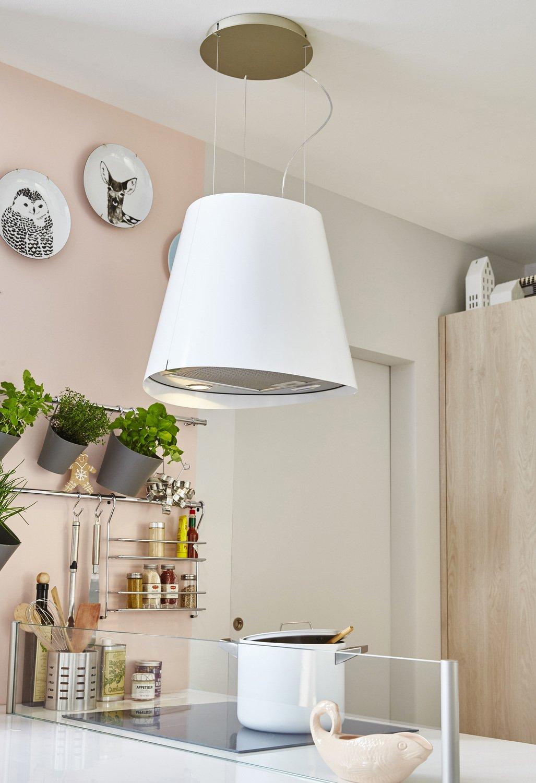 une hotte blanche arrondie pour lot central leroy merlin. Black Bedroom Furniture Sets. Home Design Ideas