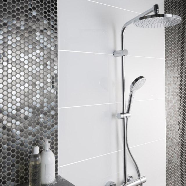 une niche de rangement en mosa que pour ranger les produits dans la douche leroy merlin. Black Bedroom Furniture Sets. Home Design Ideas
