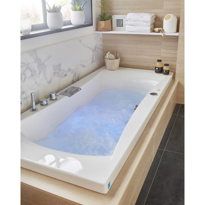 baignoire baln o avec robinetterie rectangulaire l. Black Bedroom Furniture Sets. Home Design Ideas