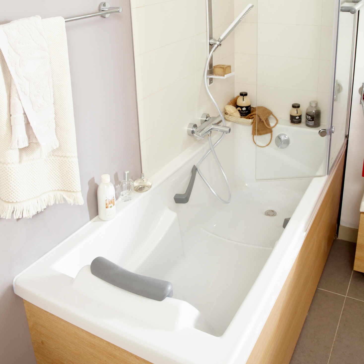 Bien choisir sa baignoire leroy merlin - Habiller sa baignoire ...