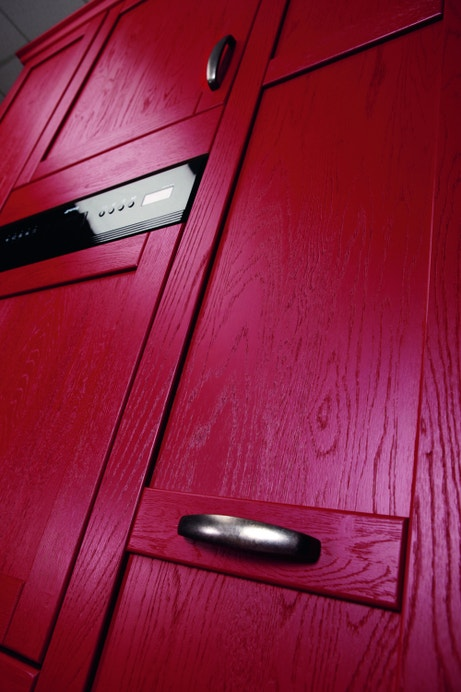 Des façades de cuisine rouge et bois