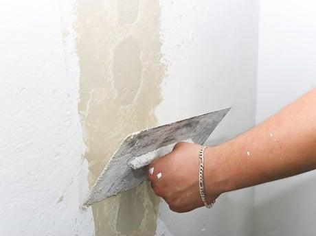 comment réparer une façade fissurée ? | leroy merlin