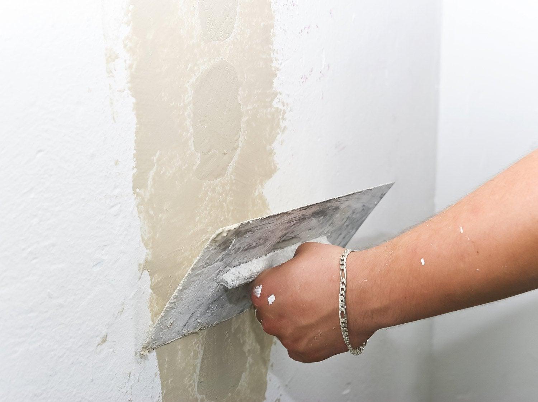 Comment réparer une façade fissurée ?
