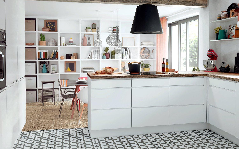 Carreaux Noir Et Blanc Cuisine une cuisine blanche avec des carreaux de ciment | leroy merlin