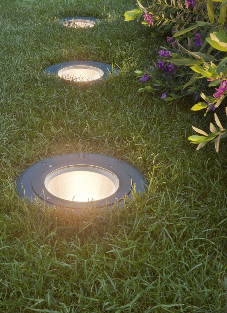 spots encastrer la lumi re fleur de sol. Black Bedroom Furniture Sets. Home Design Ideas