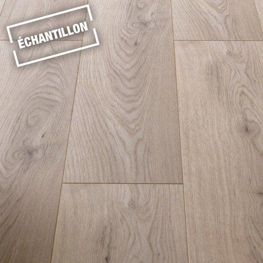 echantillon sol stratifi premium effet ch ne naturel leroy merlin. Black Bedroom Furniture Sets. Home Design Ideas