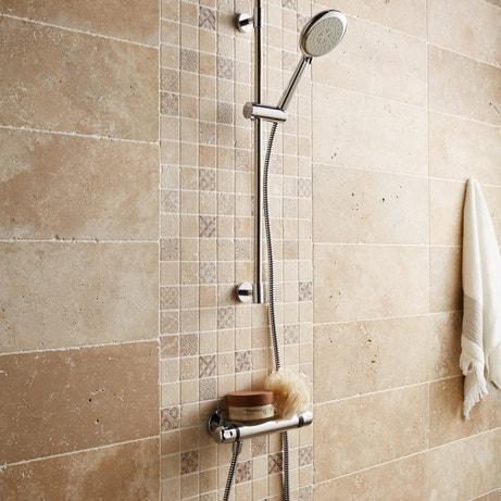 Carrelage et travertin en marbre ou en pierre pour des murs veloutés ...