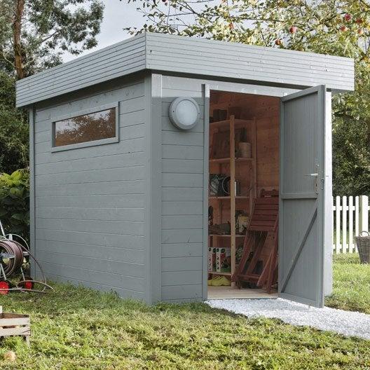 Pose d 39 un abri de jardin jusqu 39 10 m par leroy merlin leroy merlin - Comment installer un abri de jardin ...