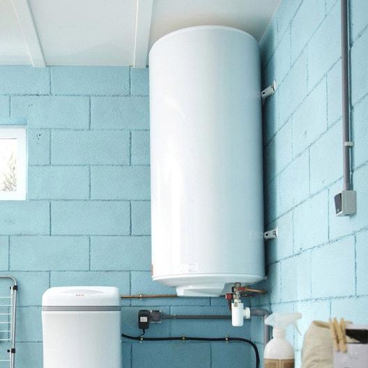 remplacement d 39 un chauffe eau lectrique en 48h leroy merlin. Black Bedroom Furniture Sets. Home Design Ideas