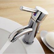 Remplacement express en 48 h d'un robinet par Leroy Merlin
