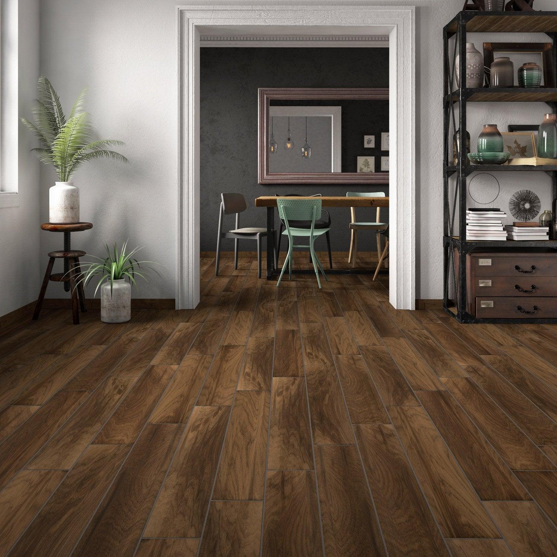 Carrelage sol et mur brun foncé aspect bois l.15 x L.90 cm