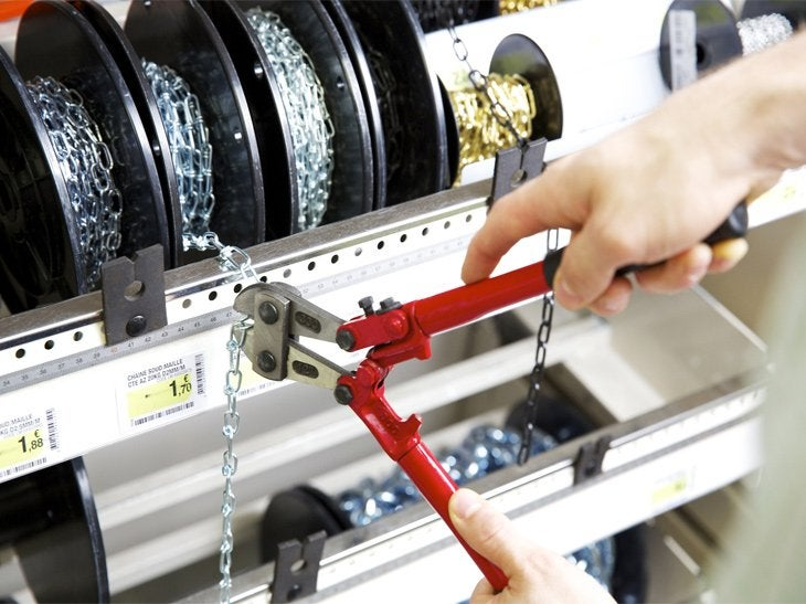 Les chaînes servent à sécuriser un accès ou suspendre une enseigne.