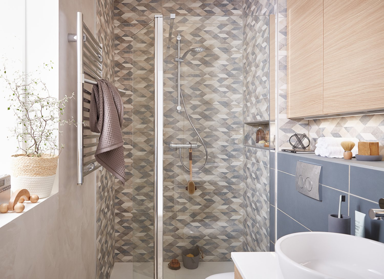une paroi de douche pour dire stop aux claboussures leroy merlin. Black Bedroom Furniture Sets. Home Design Ideas