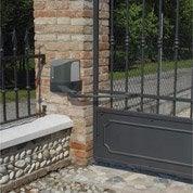 Pose d'une motorisation de portail, accessoires limité à 4 par Leroy Merlin