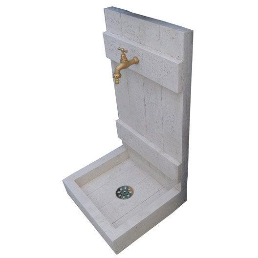 Fontaine en pierre reconstitu e pierre vieillie bois for Pierre reconstituee exterieur