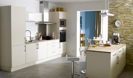 Une cuisine spacieuse et lumineuse