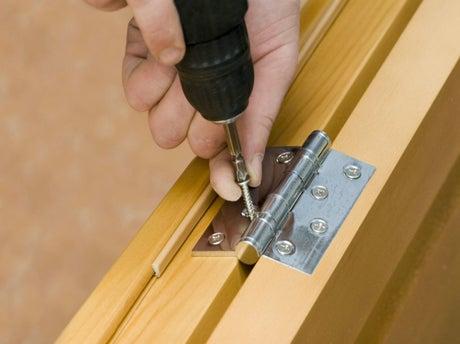 Poser les charni res d une porte de meuble leroy merlin for Poser une porte de service