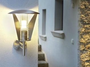 Raccorder un télérupteur à des éclairages extérieurs