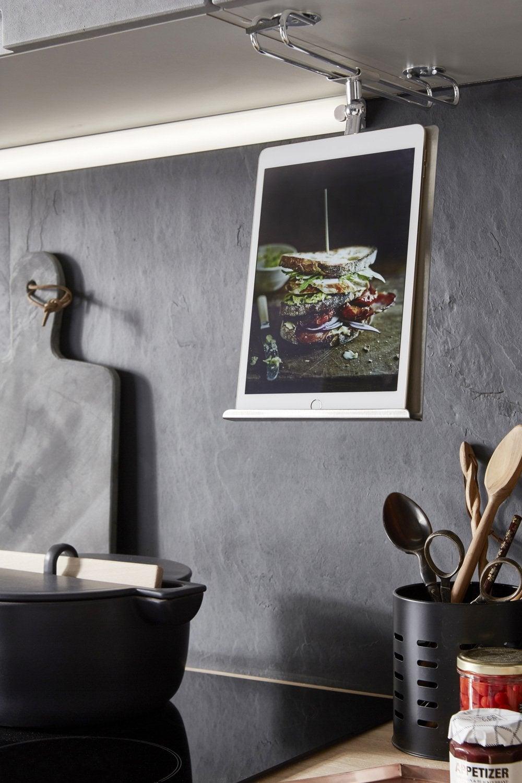 une barre de cr dence en inox pour les ustensiles de cuisine leroy merlin. Black Bedroom Furniture Sets. Home Design Ideas