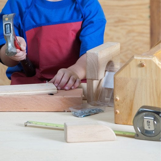 atelier enfant r aliser une caisse outils en bois. Black Bedroom Furniture Sets. Home Design Ideas