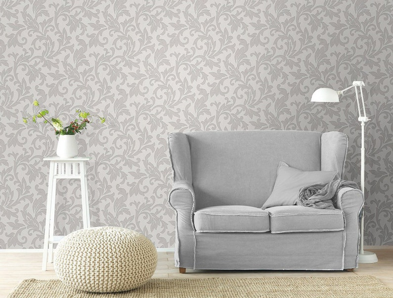 donner un style baroque au salon avec ce papier peint motifs leroy merlin. Black Bedroom Furniture Sets. Home Design Ideas