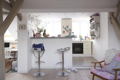 Un espace cuisine sous les toits