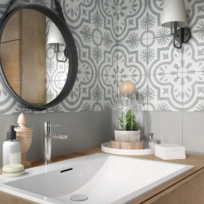 salle de bains gris argent noir et blanc - Carreaux De Ciment Salle De Bain