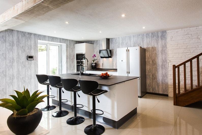 une cuisine fonctionnelle et design chez guillaume thenezay leroy merlin. Black Bedroom Furniture Sets. Home Design Ideas