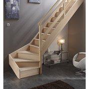 Pose d'un escalier quart tournant en bois massif