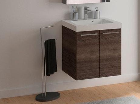 Bien choisir son meuble de salle de bains leroy merlin for Meuble porte electrique
