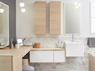 Une salle de bains sous pente dans moins de 4 m leroy - Meuble salle de bain teck leroy merlin ...