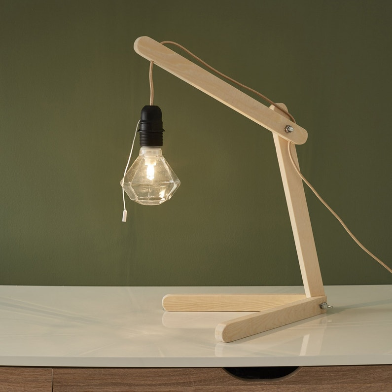 confectionner une lampe de bureau en bois leroy merlin. Black Bedroom Furniture Sets. Home Design Ideas