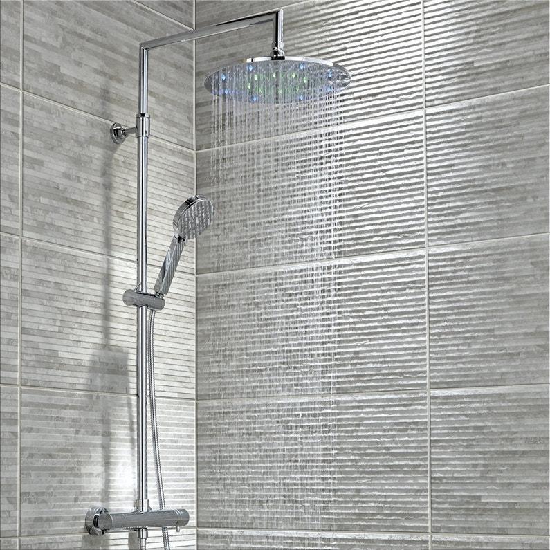 Une colonne de douche thermostatique avec led multicolor - Leroy merlin colonne de douche ...