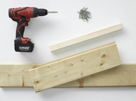 R aliser une banquette en bois sur mesure leroy merlin for Planche bois sur mesure