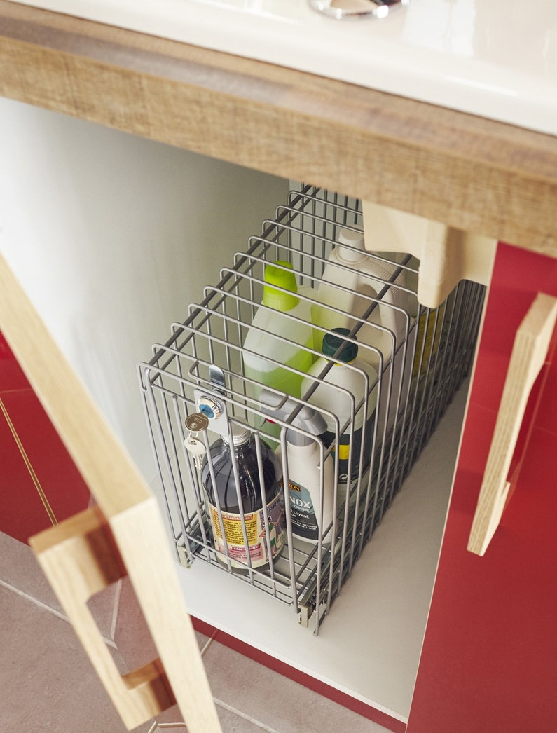un rangement id al pour vos produits d 39 entretien leroy merlin. Black Bedroom Furniture Sets. Home Design Ideas