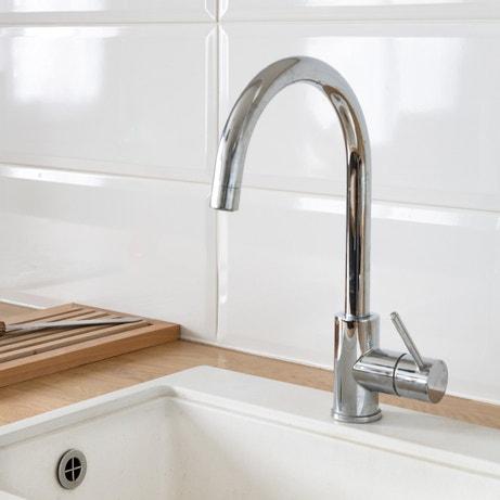 Un robinet mitigeur pour contrôler la température de l'eau commez dans la cuisine de Jérôme à Noisy le Grand