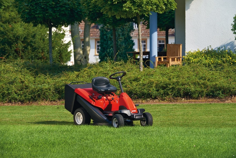 Une autoport e pour tondre votre pelouse facilement for Tarif pour tondre une pelouse