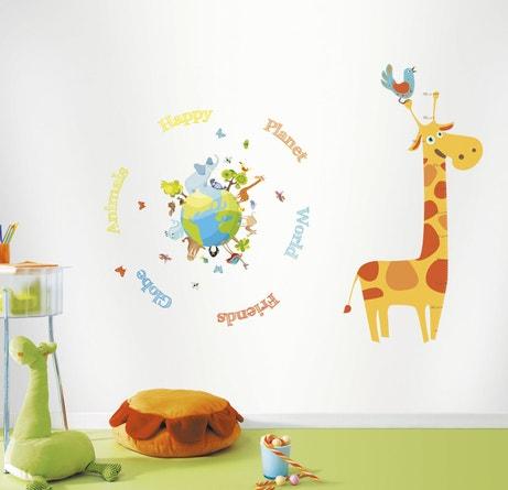 Un ensemble de stickers Happy Planet pour habiller les murs d'une chambre d'enfant