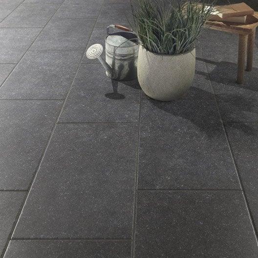 Carrelage sol noir effet pierre bruges x cm for Carrelage escalier exterieur leroy merlin
