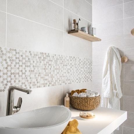 La mosa que r veille votre salle de bains leroy merlin for Frise mosaique salle de bain