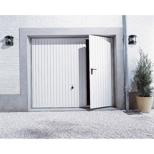 Porte de garage basculante manuelle x cm avec for Porte garage sectionnelle avec portillon